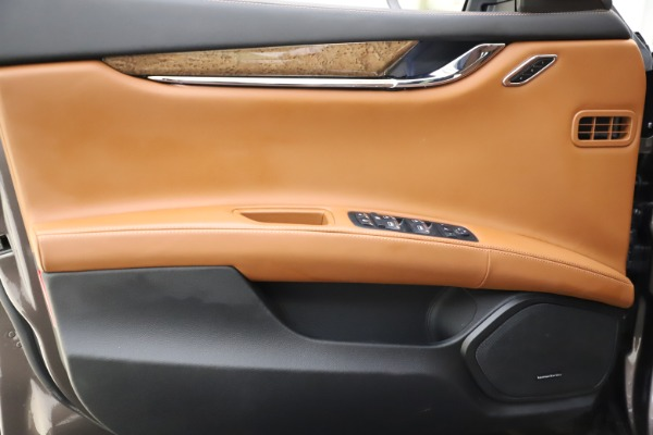 Used 2018 Maserati Quattroporte S Q4 GranLusso for sale $69,900 at Alfa Romeo of Greenwich in Greenwich CT 06830 17