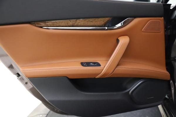 Used 2018 Maserati Quattroporte S Q4 GranLusso for sale $69,900 at Alfa Romeo of Greenwich in Greenwich CT 06830 21