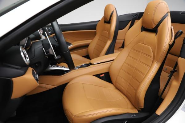 Used 2018 Ferrari California T for sale $169,900 at Alfa Romeo of Greenwich in Greenwich CT 06830 19