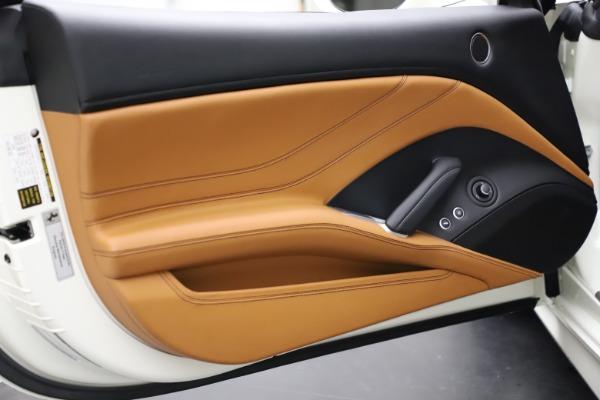 Used 2018 Ferrari California T for sale $169,900 at Alfa Romeo of Greenwich in Greenwich CT 06830 28