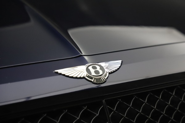Used 2018 Bentley Bentayga W12 Signature Edition for sale $149,900 at Alfa Romeo of Greenwich in Greenwich CT 06830 14