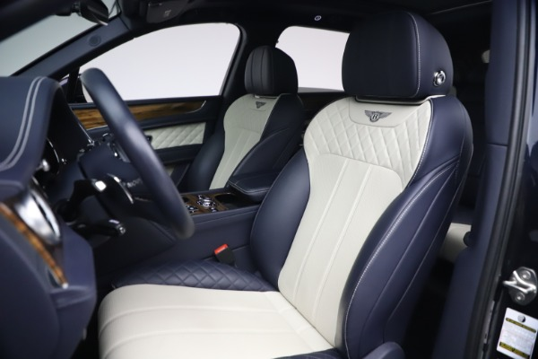 Used 2018 Bentley Bentayga W12 Signature Edition for sale $149,900 at Alfa Romeo of Greenwich in Greenwich CT 06830 19