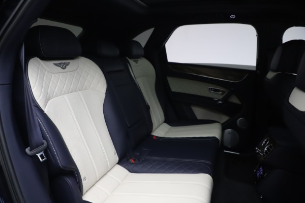 Used 2018 Bentley Bentayga W12 Signature for sale $154,900 at Alfa Romeo of Greenwich in Greenwich CT 06830 28