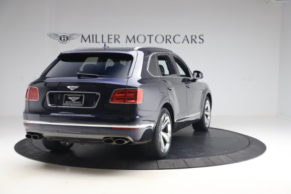 Used 2018 Bentley Bentayga W12 Signature Edition for sale $149,900 at Alfa Romeo of Greenwich in Greenwich CT 06830 7