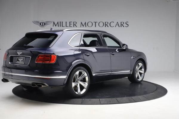 Used 2018 Bentley Bentayga W12 Signature Edition for sale $149,900 at Alfa Romeo of Greenwich in Greenwich CT 06830 8