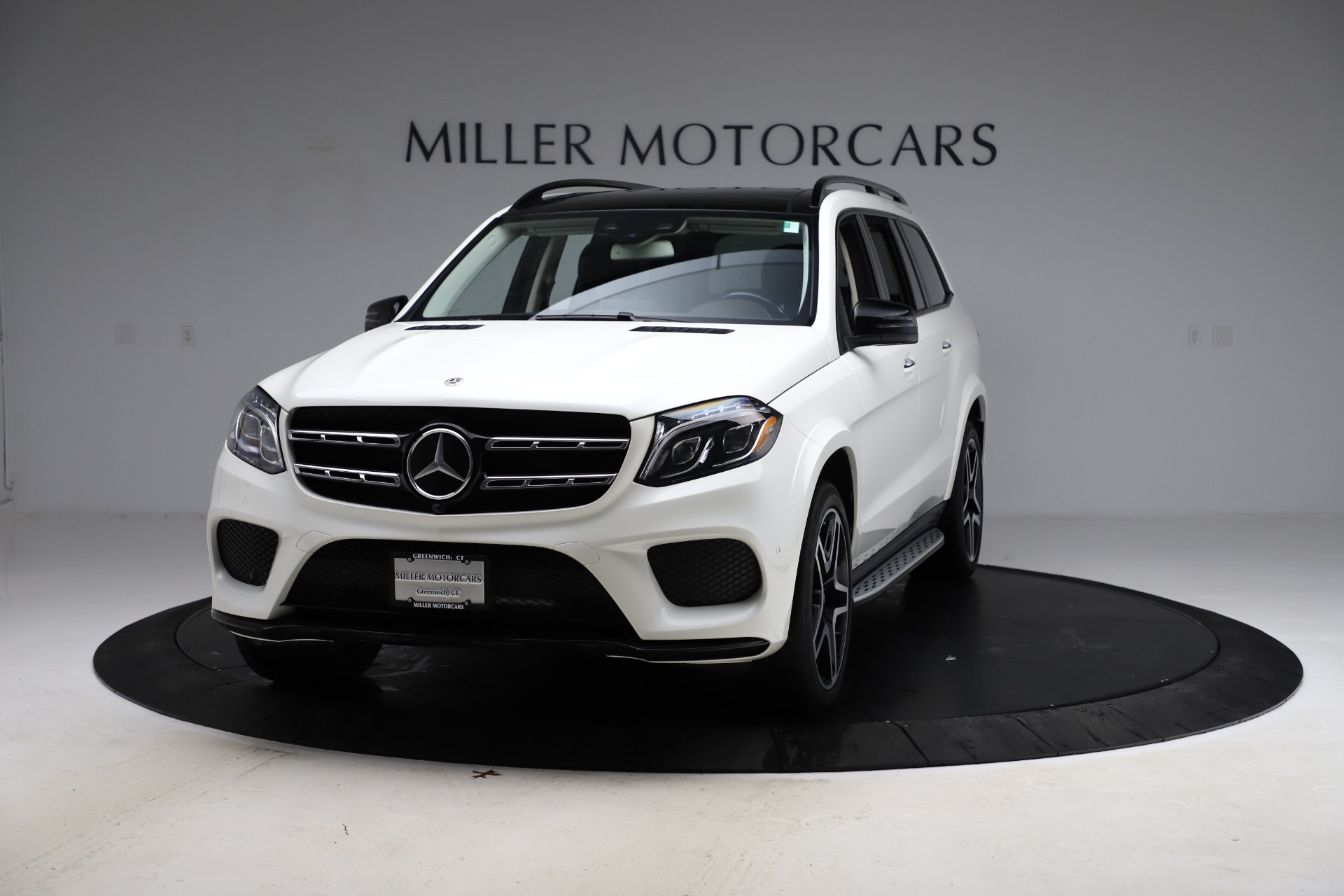 Used 2018 Mercedes-Benz GLS 550 for sale $67,900 at Alfa Romeo of Greenwich in Greenwich CT 06830 1