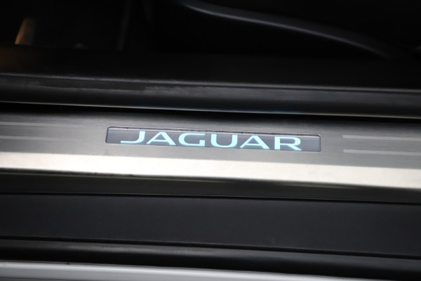 Used 2016 Jaguar F-TYPE R for sale Sold at Alfa Romeo of Greenwich in Greenwich CT 06830 25