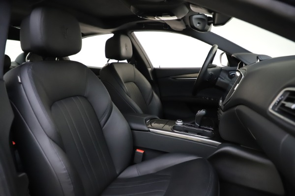 Used 2017 Maserati Ghibli S Q4 for sale $44,900 at Alfa Romeo of Greenwich in Greenwich CT 06830 22