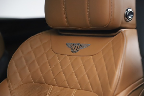 Used 2017 Bentley Bentayga W12 for sale $126,900 at Alfa Romeo of Greenwich in Greenwich CT 06830 21