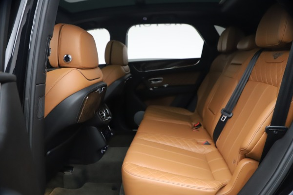 Used 2017 Bentley Bentayga W12 for sale $126,900 at Alfa Romeo of Greenwich in Greenwich CT 06830 23