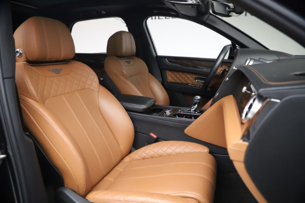 Used 2017 Bentley Bentayga W12 for sale $126,900 at Alfa Romeo of Greenwich in Greenwich CT 06830 28