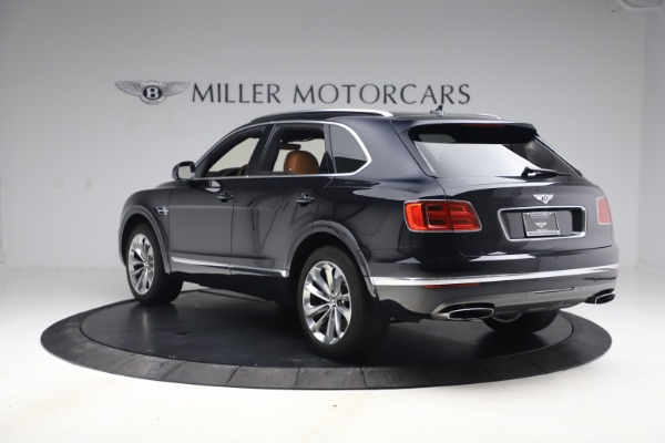 Used 2017 Bentley Bentayga W12 for sale $126,900 at Alfa Romeo of Greenwich in Greenwich CT 06830 5