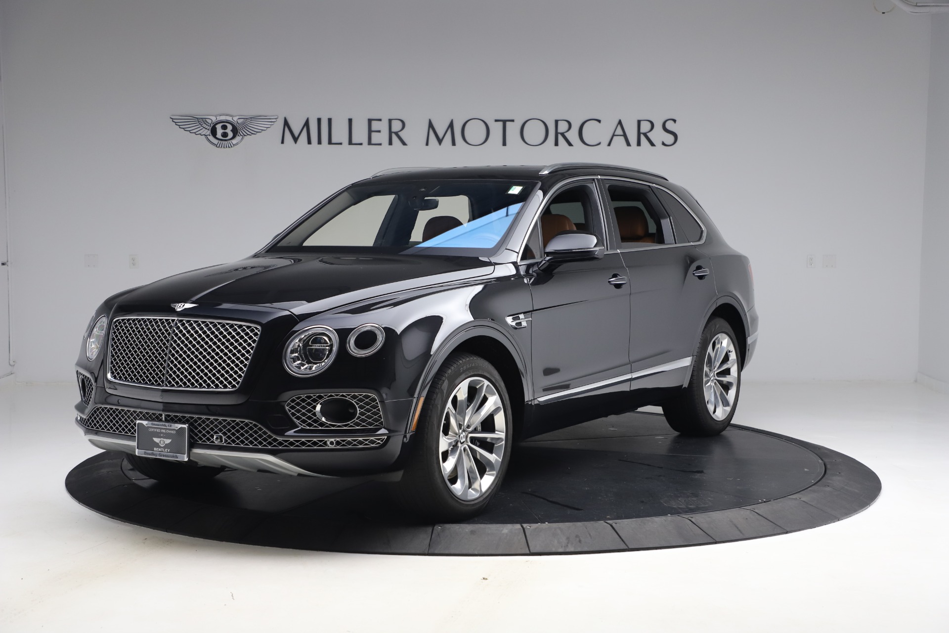 Used 2017 Bentley Bentayga W12 for sale $126,900 at Alfa Romeo of Greenwich in Greenwich CT 06830 1