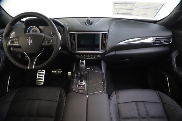 New 2021 Maserati Levante S Q4 GranSport for sale $107,135 at Alfa Romeo of Greenwich in Greenwich CT 06830 16