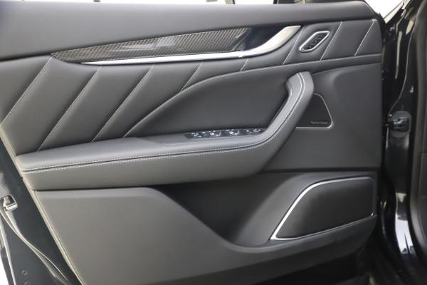 New 2021 Maserati Levante S Q4 GranSport for sale $107,135 at Alfa Romeo of Greenwich in Greenwich CT 06830 17