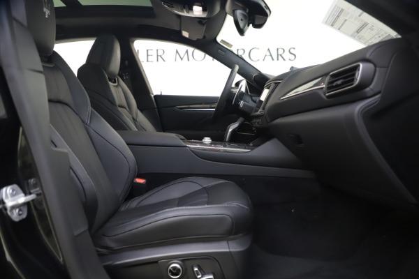 New 2021 Maserati Levante S Q4 GranSport for sale $107,135 at Alfa Romeo of Greenwich in Greenwich CT 06830 24