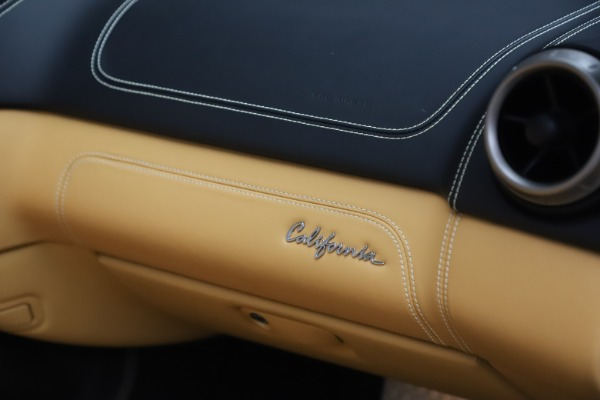 Used 2014 Ferrari California 30 for sale Sold at Alfa Romeo of Greenwich in Greenwich CT 06830 28