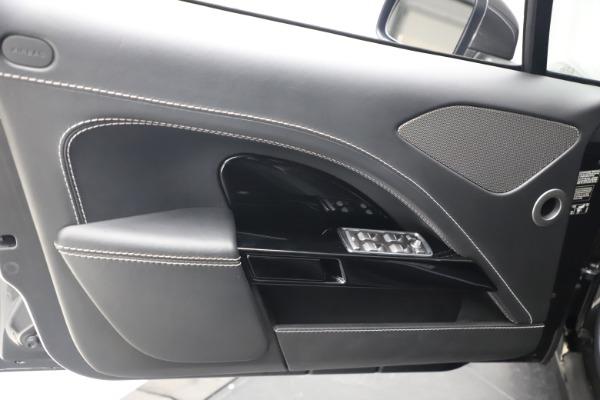 Used 2017 Aston Martin Rapide S Sedan for sale $135,900 at Alfa Romeo of Greenwich in Greenwich CT 06830 16