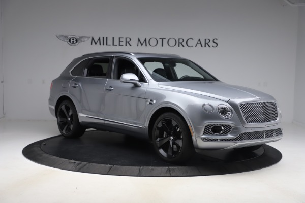 Used 2018 Bentley Bentayga W12 Signature Edition for sale $149,900 at Alfa Romeo of Greenwich in Greenwich CT 06830 12