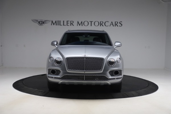 Used 2018 Bentley Bentayga W12 Signature Edition for sale $149,900 at Alfa Romeo of Greenwich in Greenwich CT 06830 13