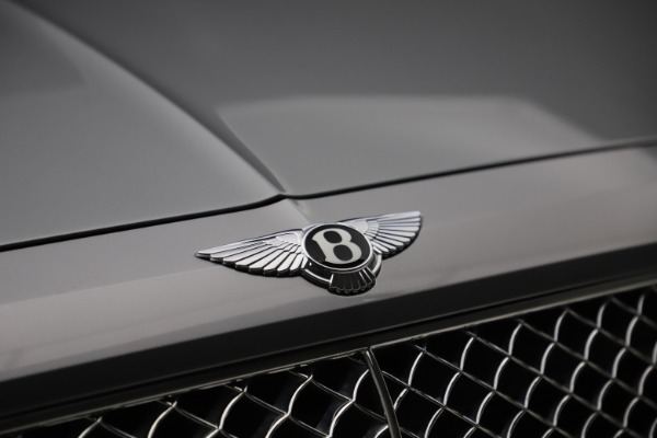Used 2018 Bentley Bentayga W12 Signature Edition for sale $149,900 at Alfa Romeo of Greenwich in Greenwich CT 06830 15
