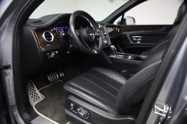 Used 2018 Bentley Bentayga W12 Signature for sale $154,900 at Alfa Romeo of Greenwich in Greenwich CT 06830 18