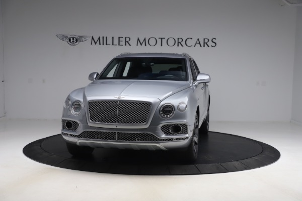 Used 2018 Bentley Bentayga W12 Signature Edition for sale $149,900 at Alfa Romeo of Greenwich in Greenwich CT 06830 2