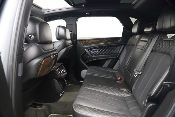 Used 2018 Bentley Bentayga W12 Signature for sale $154,900 at Alfa Romeo of Greenwich in Greenwich CT 06830 23
