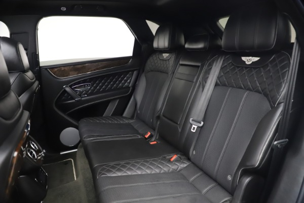 Used 2018 Bentley Bentayga W12 Signature for sale $154,900 at Alfa Romeo of Greenwich in Greenwich CT 06830 24