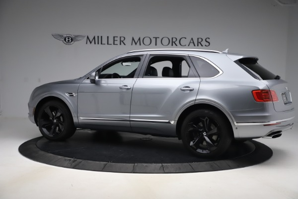 Used 2018 Bentley Bentayga W12 Signature Edition for sale $149,900 at Alfa Romeo of Greenwich in Greenwich CT 06830 4