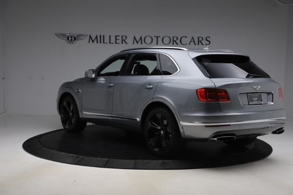 Used 2018 Bentley Bentayga W12 Signature for sale $154,900 at Alfa Romeo of Greenwich in Greenwich CT 06830 5