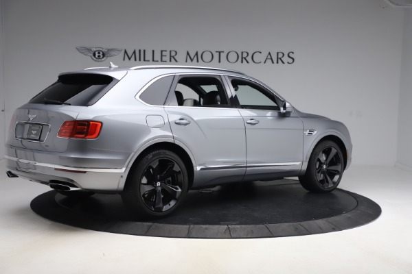 Used 2018 Bentley Bentayga W12 Signature Edition for sale $149,900 at Alfa Romeo of Greenwich in Greenwich CT 06830 9