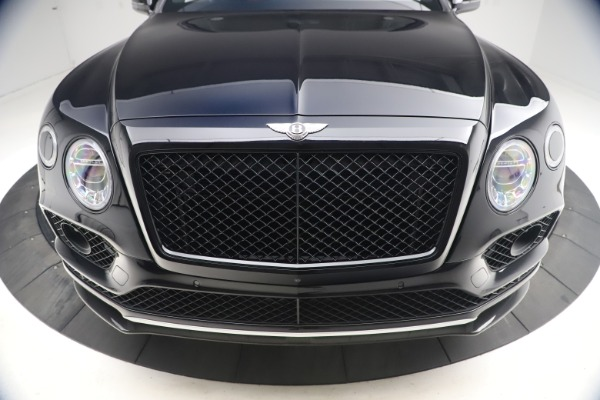 Used 2018 Bentley Bentayga Black Edition for sale $169,900 at Alfa Romeo of Greenwich in Greenwich CT 06830 13