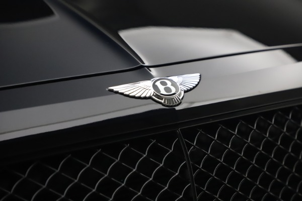 Used 2018 Bentley Bentayga Black Edition for sale $169,900 at Alfa Romeo of Greenwich in Greenwich CT 06830 14