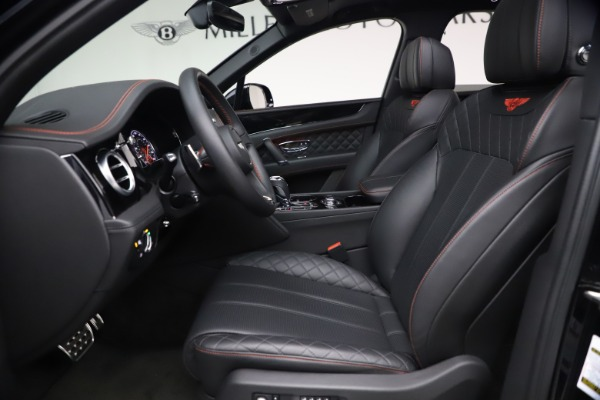 Used 2018 Bentley Bentayga Black Edition for sale $169,900 at Alfa Romeo of Greenwich in Greenwich CT 06830 18