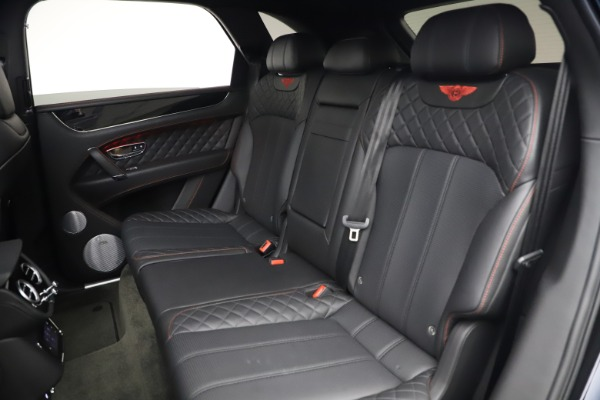 Used 2018 Bentley Bentayga Black Edition for sale $169,900 at Alfa Romeo of Greenwich in Greenwich CT 06830 22