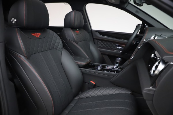 Used 2018 Bentley Bentayga Black Edition for sale $169,900 at Alfa Romeo of Greenwich in Greenwich CT 06830 26