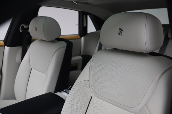 Used 2018 Rolls-Royce Ghost for sale $249,900 at Alfa Romeo of Greenwich in Greenwich CT 06830 14