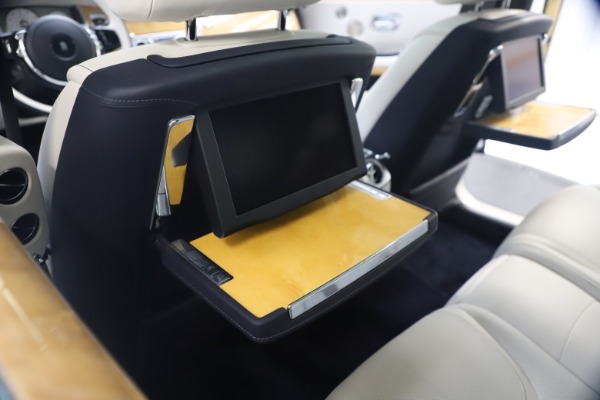 Used 2018 Rolls-Royce Ghost for sale $249,900 at Alfa Romeo of Greenwich in Greenwich CT 06830 22