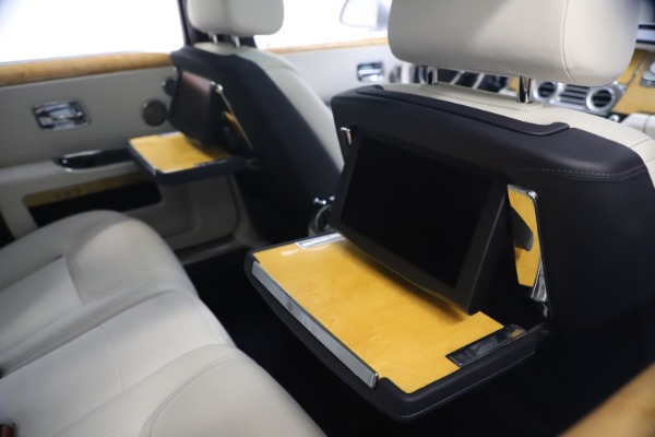 Used 2018 Rolls-Royce Ghost for sale $249,900 at Alfa Romeo of Greenwich in Greenwich CT 06830 23