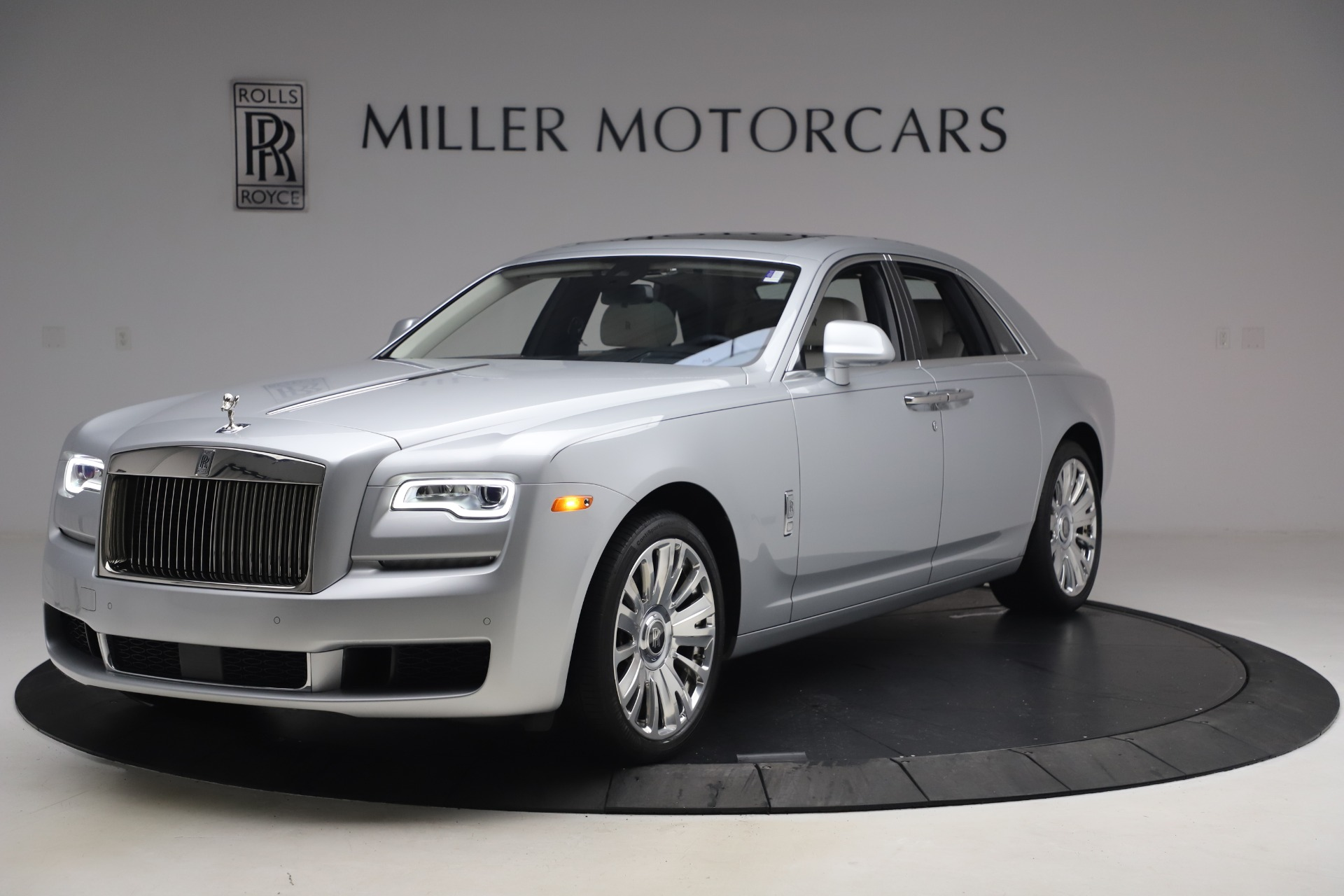 Used 2018 Rolls-Royce Ghost for sale $249,900 at Alfa Romeo of Greenwich in Greenwich CT 06830 1