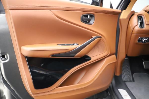 New 2021 Aston Martin DBX for sale $226,136 at Alfa Romeo of Greenwich in Greenwich CT 06830 15