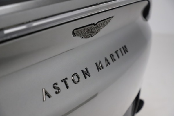 New 2021 Aston Martin DBX for sale $226,136 at Alfa Romeo of Greenwich in Greenwich CT 06830 22