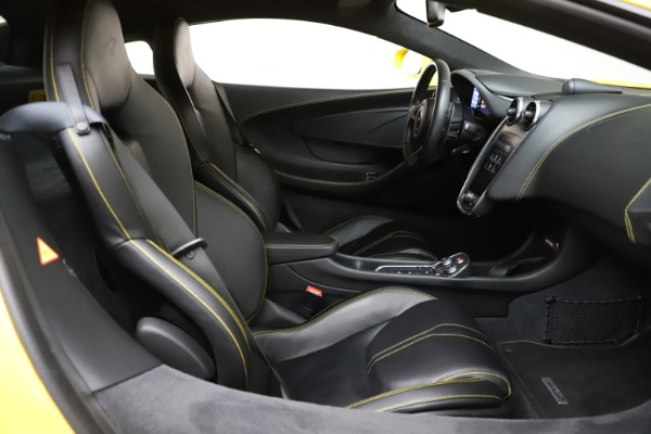 Used 2016 McLaren 570S Coupe for sale Call for price at Alfa Romeo of Greenwich in Greenwich CT 06830 19