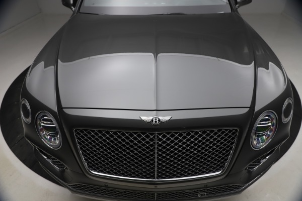 Used 2018 Bentley Bentayga W12 for sale $156,900 at Alfa Romeo of Greenwich in Greenwich CT 06830 15