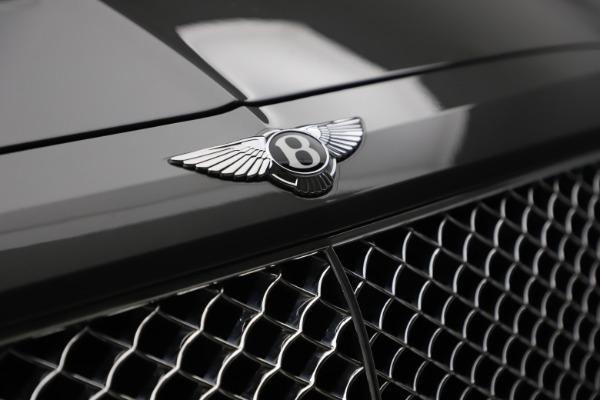 Used 2018 Bentley Bentayga W12 for sale $156,900 at Alfa Romeo of Greenwich in Greenwich CT 06830 16