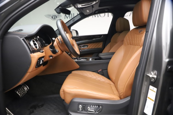 Used 2018 Bentley Bentayga W12 for sale $156,900 at Alfa Romeo of Greenwich in Greenwich CT 06830 20
