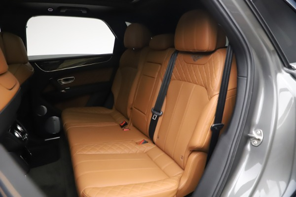 Used 2018 Bentley Bentayga W12 for sale $156,900 at Alfa Romeo of Greenwich in Greenwich CT 06830 24