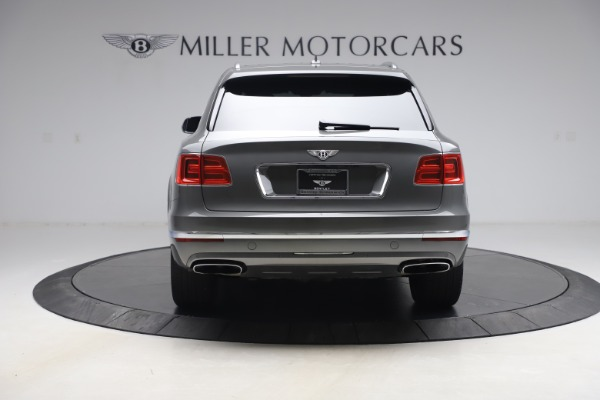 Used 2018 Bentley Bentayga W12 for sale $156,900 at Alfa Romeo of Greenwich in Greenwich CT 06830 6
