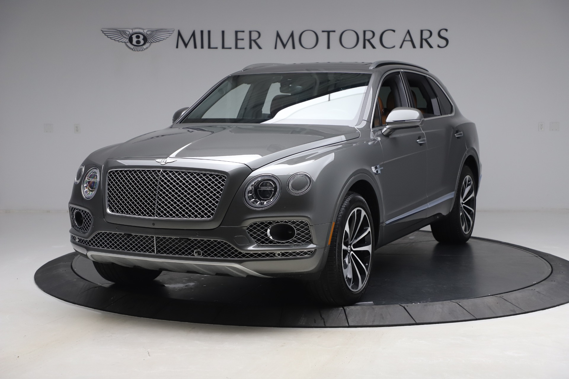 Used 2018 Bentley Bentayga W12 for sale $156,900 at Alfa Romeo of Greenwich in Greenwich CT 06830 1